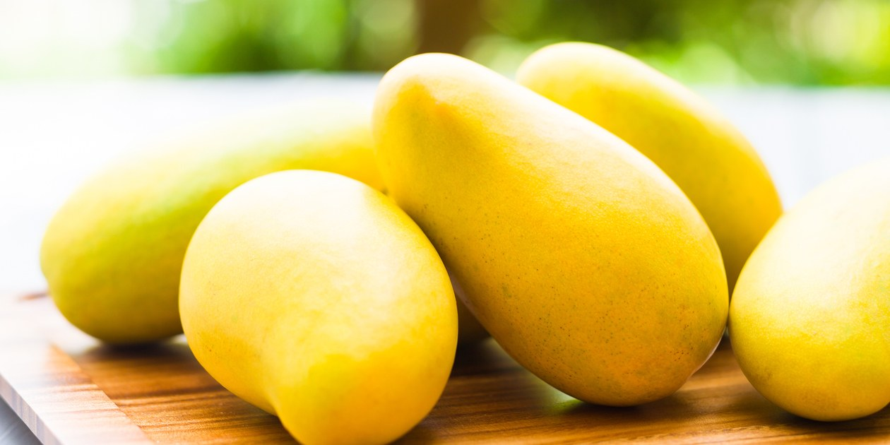 10 delicious ways to eat mangoes this summer season hootsoot it is that time of the season when you eat drink and dream about mangoes you know that you are a diehard mango fan because you are aware of all the ccuart Gallery