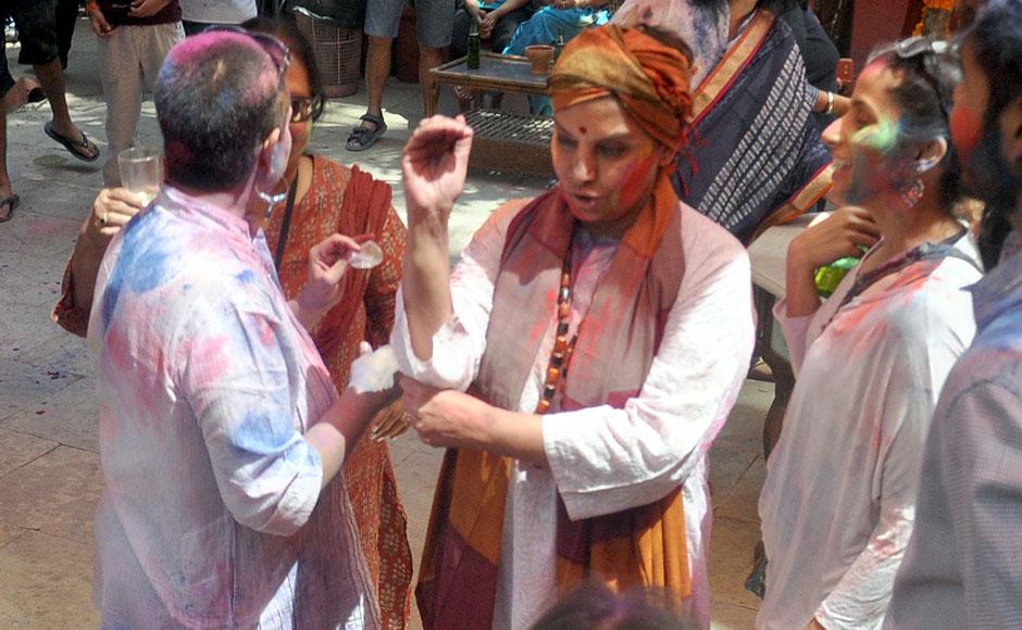 06_Bollywood-celebrates-Holi-festival
