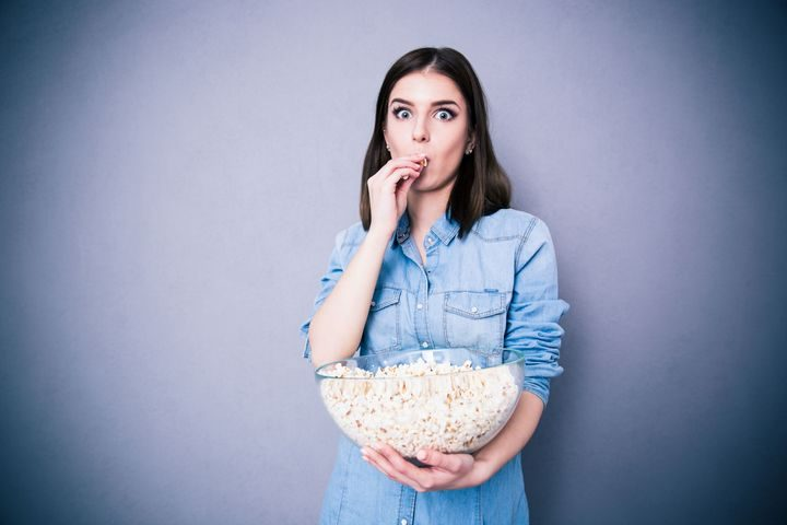 girl-popcorn
