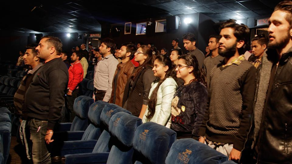india-theaters-anthem_8c835ac6-d7ff-11e6-a473-4fa7bf176867